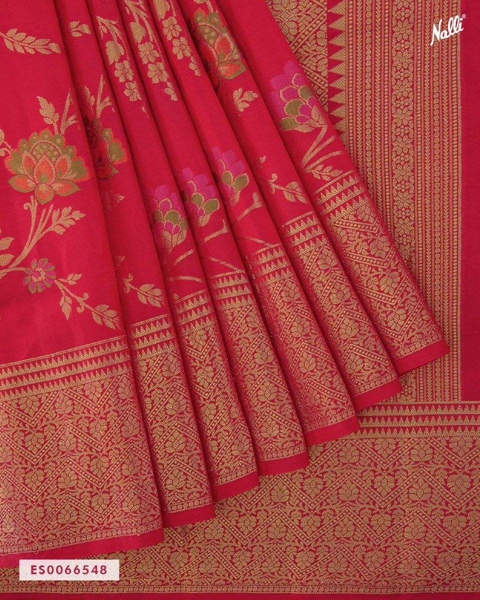 "Nalli בטוויטר: ""The alluring red Banarasi raw saree woven with gorgeous  zari and thread butta looks simply stunning. Shop Now at  https://t.co/rsQUp9woM6 . . . . . #Nalli #nallisilk #saree #sarees  #banarasi #"