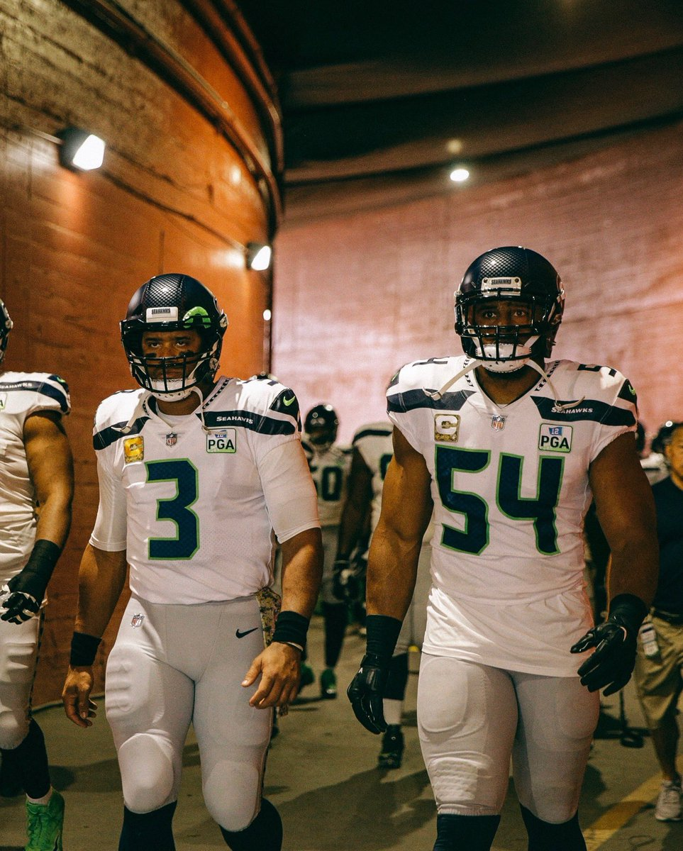 """3: """"Yo Wagz, 'member when they gave us an F Grade?"""" 54: """"Yeah... I remember..."""" To my road dawg..aka...the Best in the Game! @Bwagz !!! Happy Birthday Bro! Playing with you has been one of the coolest parts of my career! """"Don't get bored with consistency!"""" ✊🏾💪🏾🏈 #ClassOf2012"""
