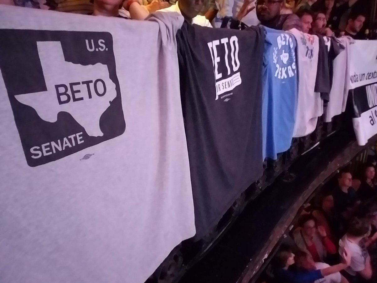 @Brendajurgens3 @TeamTrump @BetoORourke @WillieNelson @ccano1971 Told him that night I'd bought 7th #BetoForTexas shirt to have one to wear every day of the week everywhere I went (except obvious neutral zones -e.g., church) from then till election. You'd better believe I did! Hung them over railing next rally & they made his TL. (Wearing 7th) https://t.co/GC3Z013fat