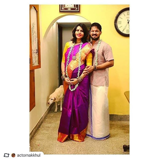 @actornakkhul with his wife @srubee  . Follow @GgreenChannel  . #nakul #nakhul #actornakul #srubee #srubeenakkhul #KollywoodActor #kollywoodfamily #ggreenchannelpic.twitter.com/2NRv8YkILT