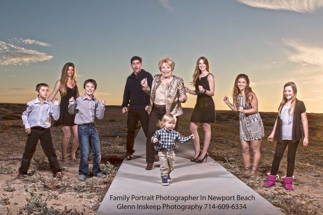 #FamilyPhotographer #NewportBeach #PhotographyStudio #OrangeCountyPhotographer #PortraitsInStudio #PortraitsOnSite #PortraitsOffSite #PortraitStudio #NewportBeachPhotographer #GraduationPictures #SeniorPortraits⠀  https://buff.ly/2oVdEtxpic.twitter.com/CxgQd10lQJ