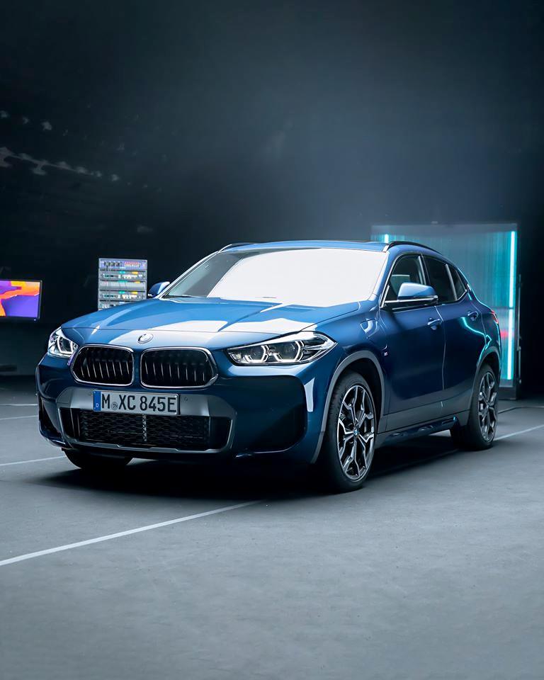 #TheX2 Ekstremalnie niezwykłe. Absolutnie wyjątkowe. Niesamowicie nowoczesne. Nowe #BMW #X2 xDrive25e z napędem hybrydowym plug-in o zasięgu elektrycznym do 57 km. https://t.co/FAJkmgFKIu