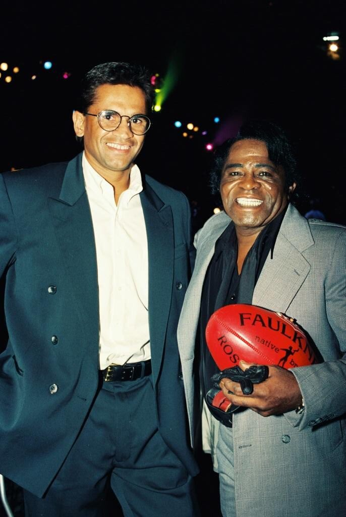 """When James Brown's manager rang me 2 line up a pix with Nicky Winmar he didn't do so cause the AFL player had """"guts"""" but because the Godfather of Soul wanted 2 acknowledged him for his """"black & proud"""" stance! One of the great days! https://t.co/ZOja7Wygr2"""