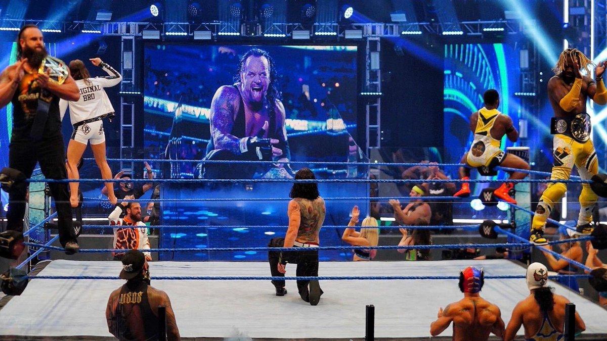 Bin ich der einzige der das total cringy findet was hier Jeff Hardy macht? Sieht aus wie ein WrestleMania Treffen von Hardcore Wrestling Fans pic.twitter.com/Doy2mKdEQj  by B/R Wrestling
