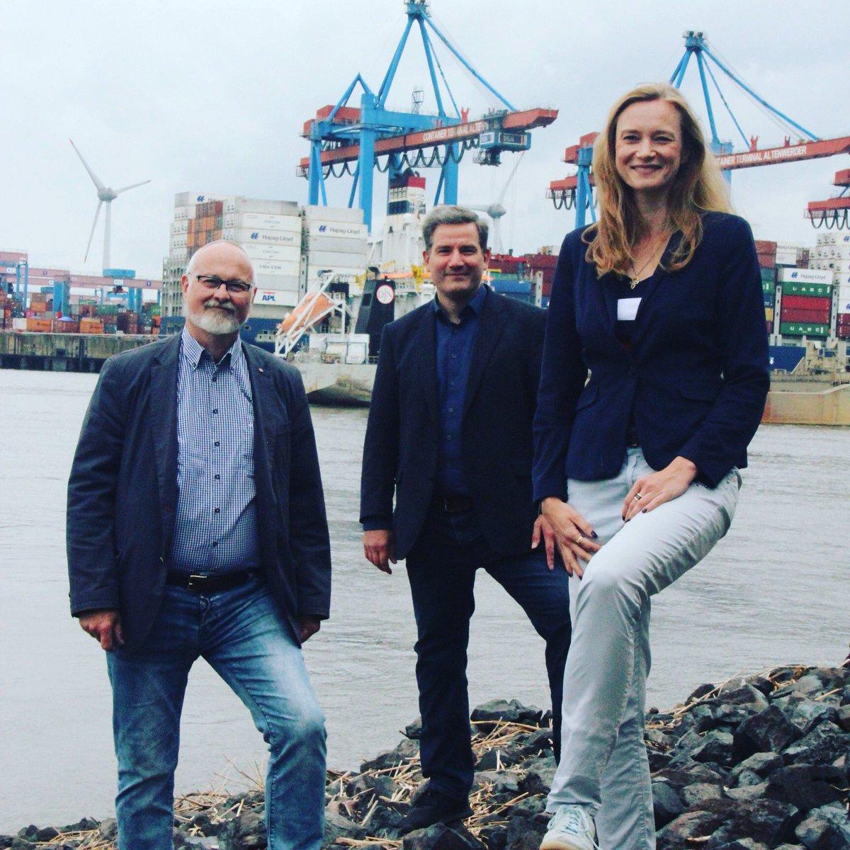Gute Nachrichten für den @PortofHamburg & Ingo #Egloff von Hamburg Hafen Marketing: Im Bundestag beschließen wir morgen die Verschiebung der #Einfuhrumsatzsteuer. Damit werden endlich Wettbewerbsnachteile f. deutsche Häfen beseitigt! #hafenhamburg #Konjunkturpaket #hamburg #spdpic.twitter.com/TC1iN5rmId  by Dorothee Martin