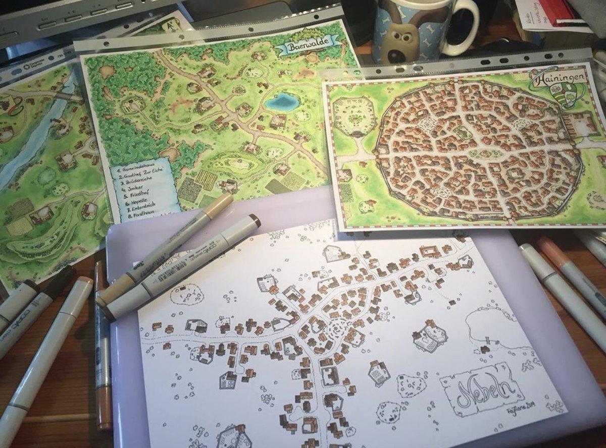 Das Foto ist zwar schon etwas älter, aber so sieht es auf meinem Tisch aus wenn ich arbeite. #pnp #pnpde #ArtistOnTwitter #WorkFromHome #DnD #maps #mapmaking #fantasyartist #cartography #traditionalart #dndmaps #fantasyillustration #RPG #rpgartpic.twitter.com/A4TOvbajmw  by FeyTiane