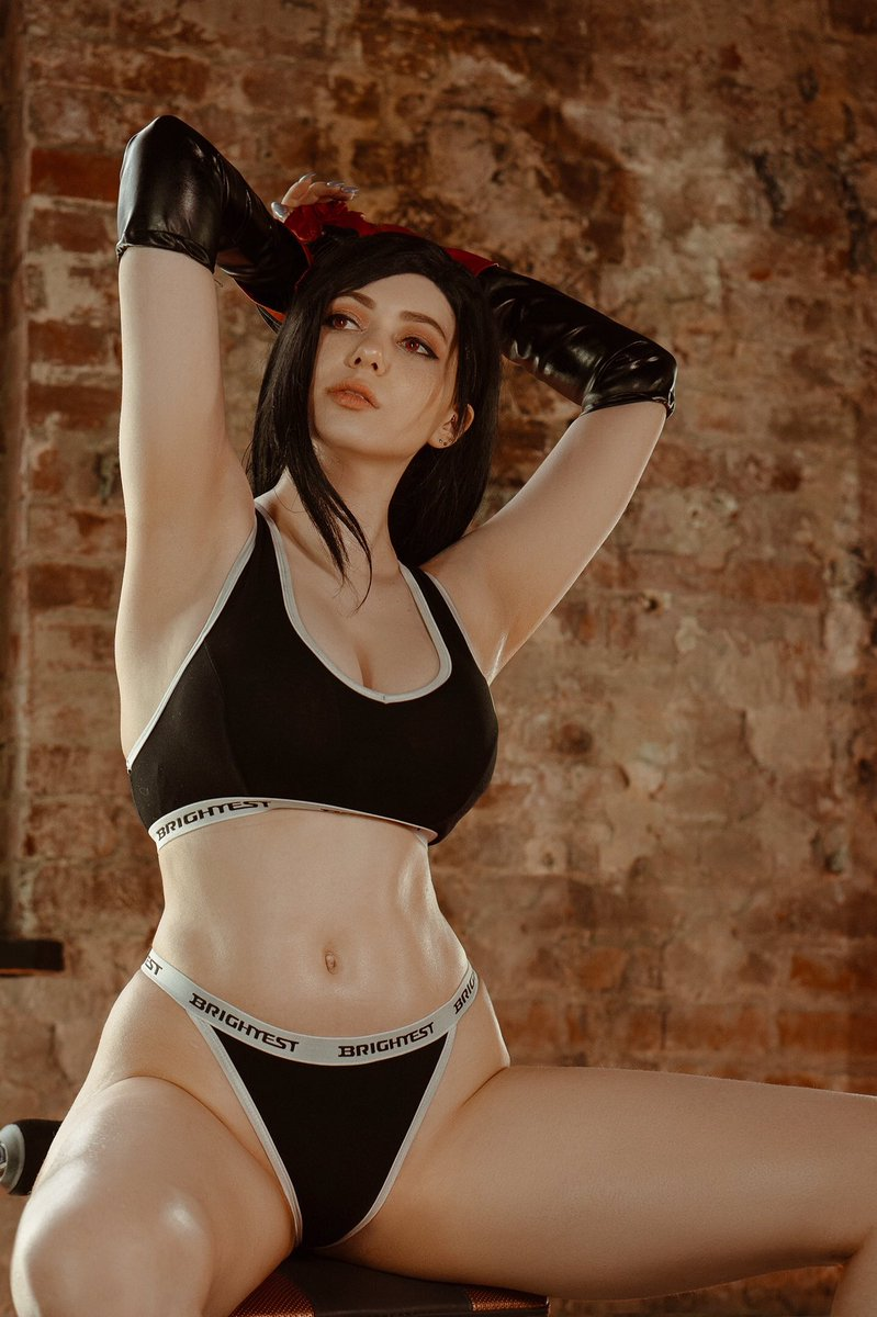 Last chance to get a sooo spicy Tifa photoshoot, because there are only a few days left. On my P🅰️treon: patreon.com/AlinaBecker And also get a sexy and aesthetic 2B photoshoot-bonus for EVERY PATRON STARTING 1$ If you want to, you need to hurry up! 💋 #cosplay #TifaLockhart