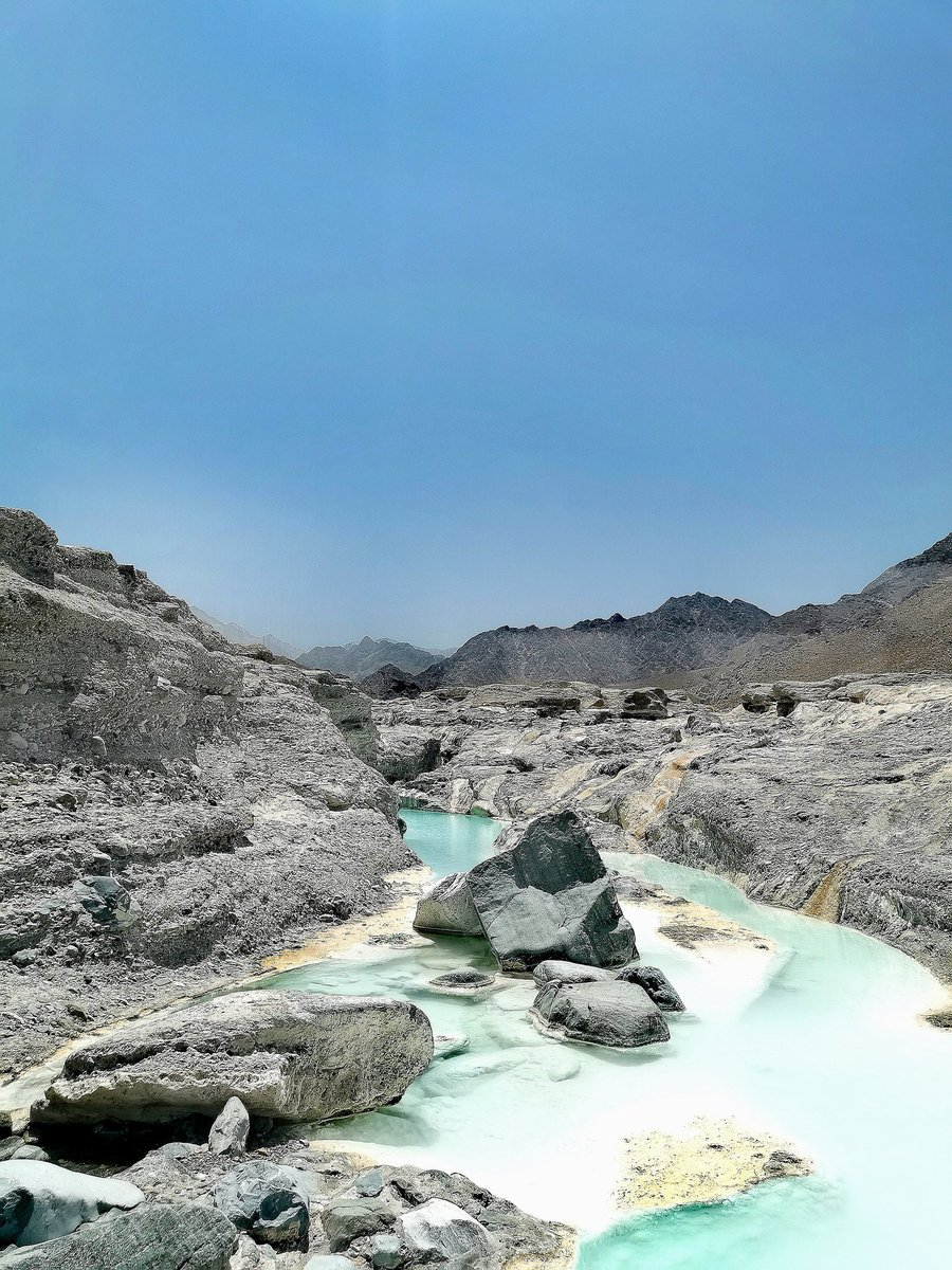 #The beauty of oman #oman #جنه pic.twitter.com/doKICvk1ov – at عين الحن
