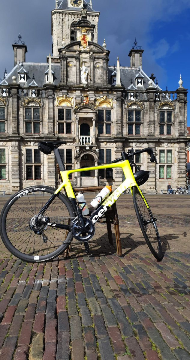 Sunday morning bike ride to the centre of Historic city of Delft. #gettingfit https://t.co/uDzZdMWqnP