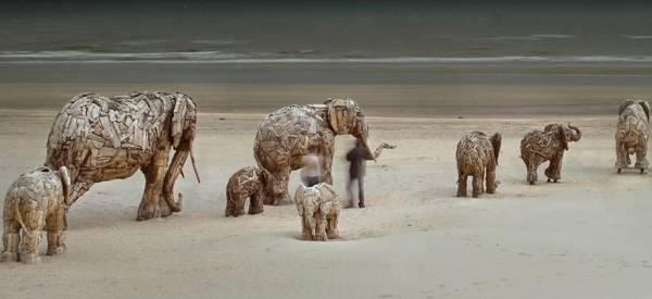 تناسخ الأرواح:  مجسمات فيلة من الأخشاب الطافية Soul Incarnation: Driftwood Elephant Sculptures  https://t.co/71kYd1SEB4  #Soul #Incarnation #Driftwood #elephants #Sculptures #art #تناسخ_أرواح  #مجسمات #فيل #أخشاب #نحت #فن #معرض https://t.co/ozxMXUVHAZ