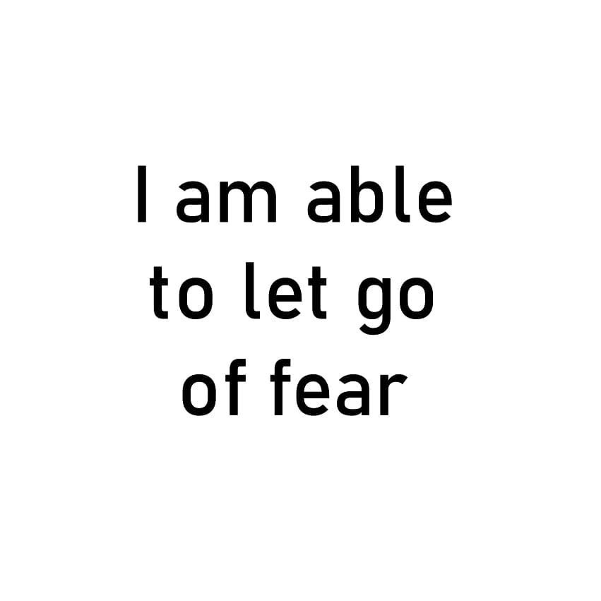 I am able to let go of fear . . . . . #vidyasury #affirmations #sundayvibes #dailyaffirmations #positivevibes #mindfulness #selflove #selfcare #personaldevelopment #instadaily #collectingsmiles https://t.co/KN7alLDi8c https://t.co/1iQFiGl5j3