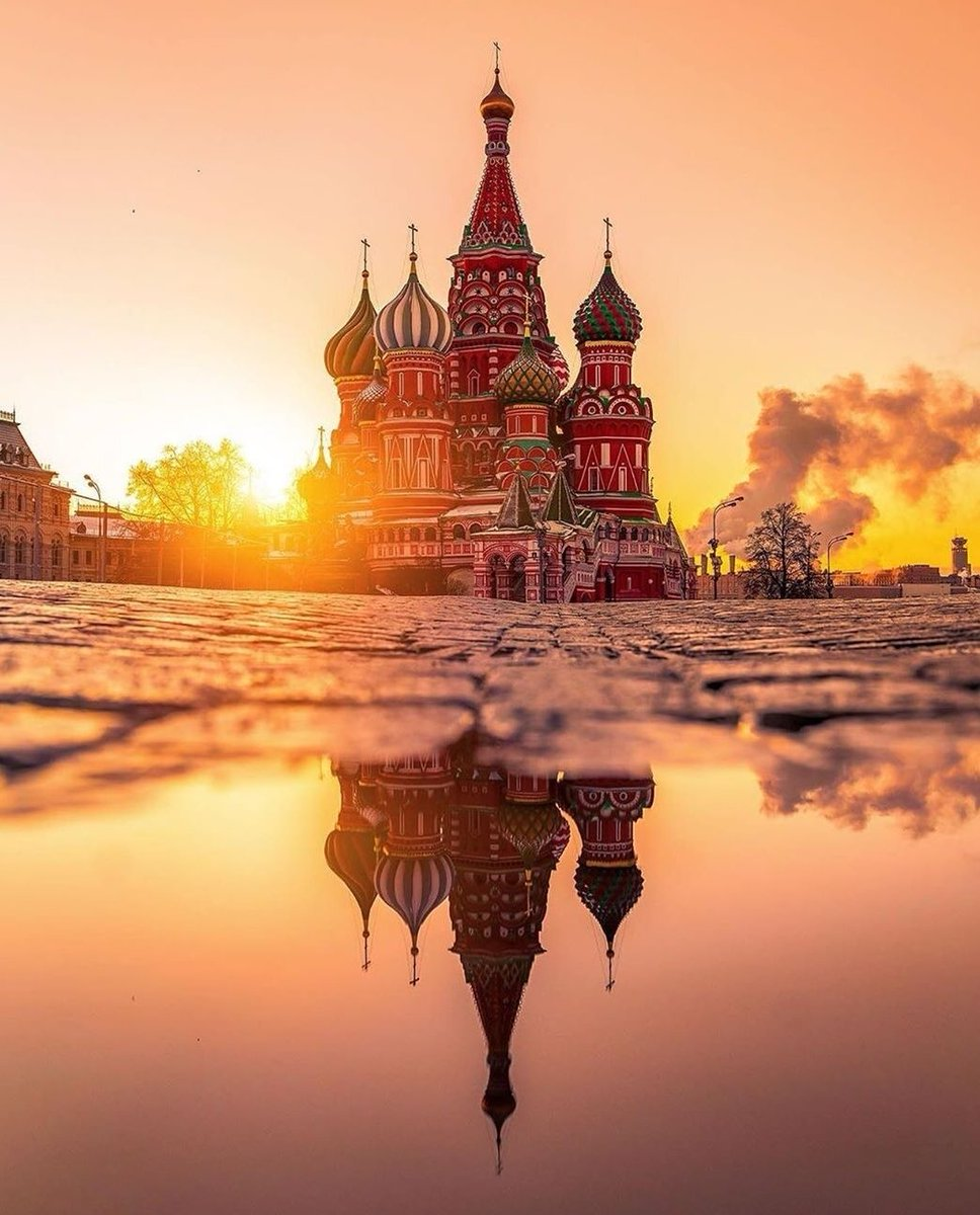 So beautiful #Moscow   #Artpicture( kobektas)pic.twitter.com/pmsXlEzpkg