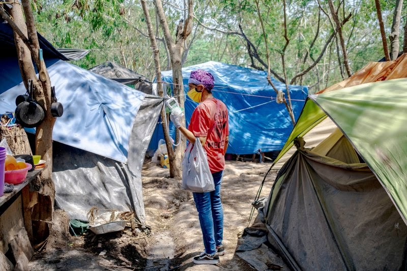 Read this article from @TIME about #asylumseekers in #Matamoros, #Mexico, who are living in unsanitary conditions as they await US court hearings delayed to 2021, & how our team has set up a medical unit to help prevent the spread of #COVID19.  Click here: https://t.co/l1NGqafYsB https://t.co/mbAe8ap7Ax