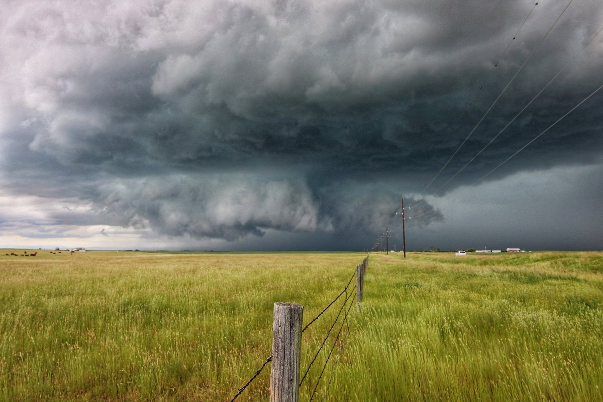 Another Fun Storm Chase in Southern Alberta Yesterday June 27 2020 ! Good B-day present from Mother nature!! #abstorm #StormHour #stormchasing #stormchasingfamily<br>http://pic.twitter.com/LaSHtG6ZO8