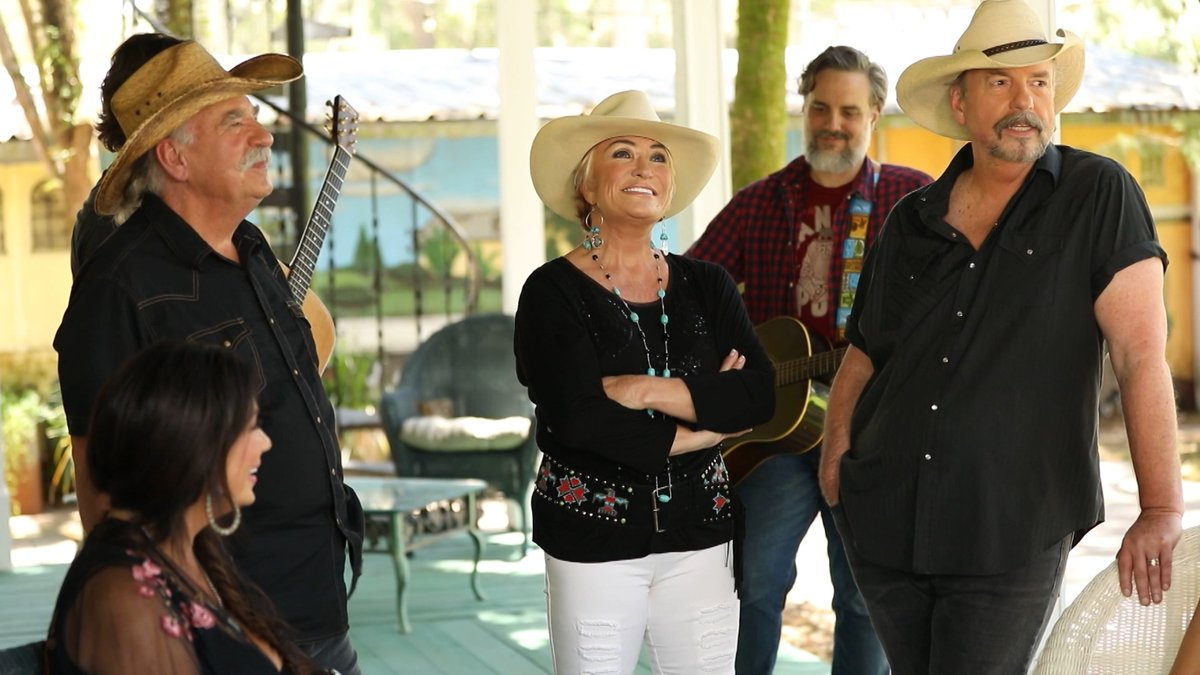 You don't want to miss #HonkyTonkRanch today! The one and only @TanyaTucker stops by at 3 pm EST on @CircleAllAccess 🤠 Find your local 📺 station: bit.ly/2TdAfzf #circleallaccess #realitytv #countrymusic