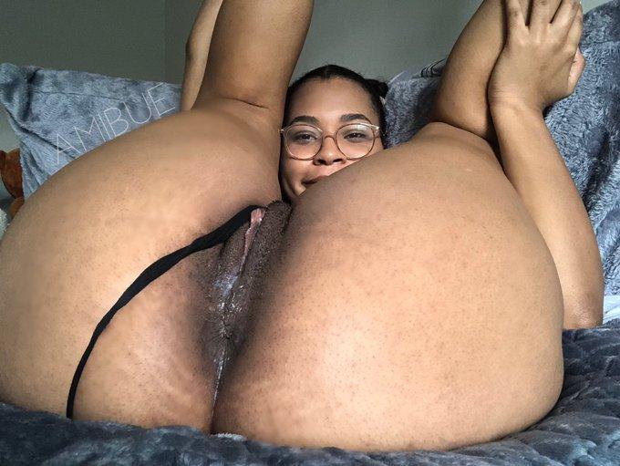 Fold me up and fuck me deep 🤤 https://t.co/TKm4rmZaQ9