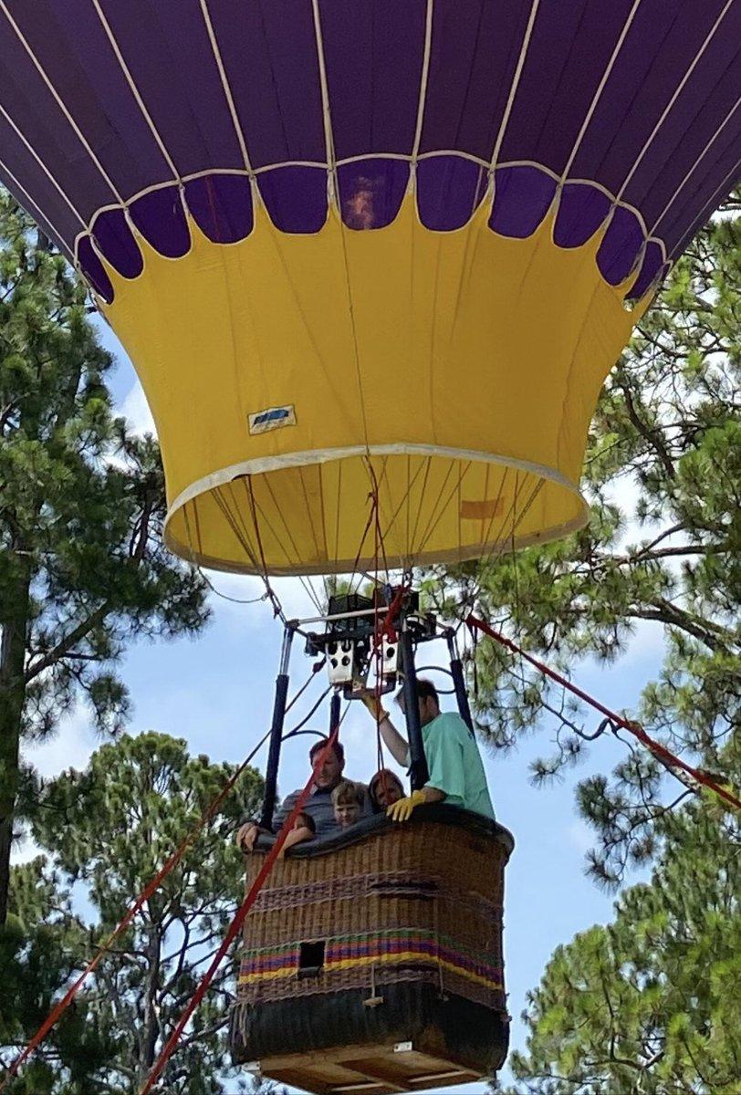 Little Hot Air Ballon Ride!  Got a solid 20 feet off the ground! https://t.co/5FYQVjky01