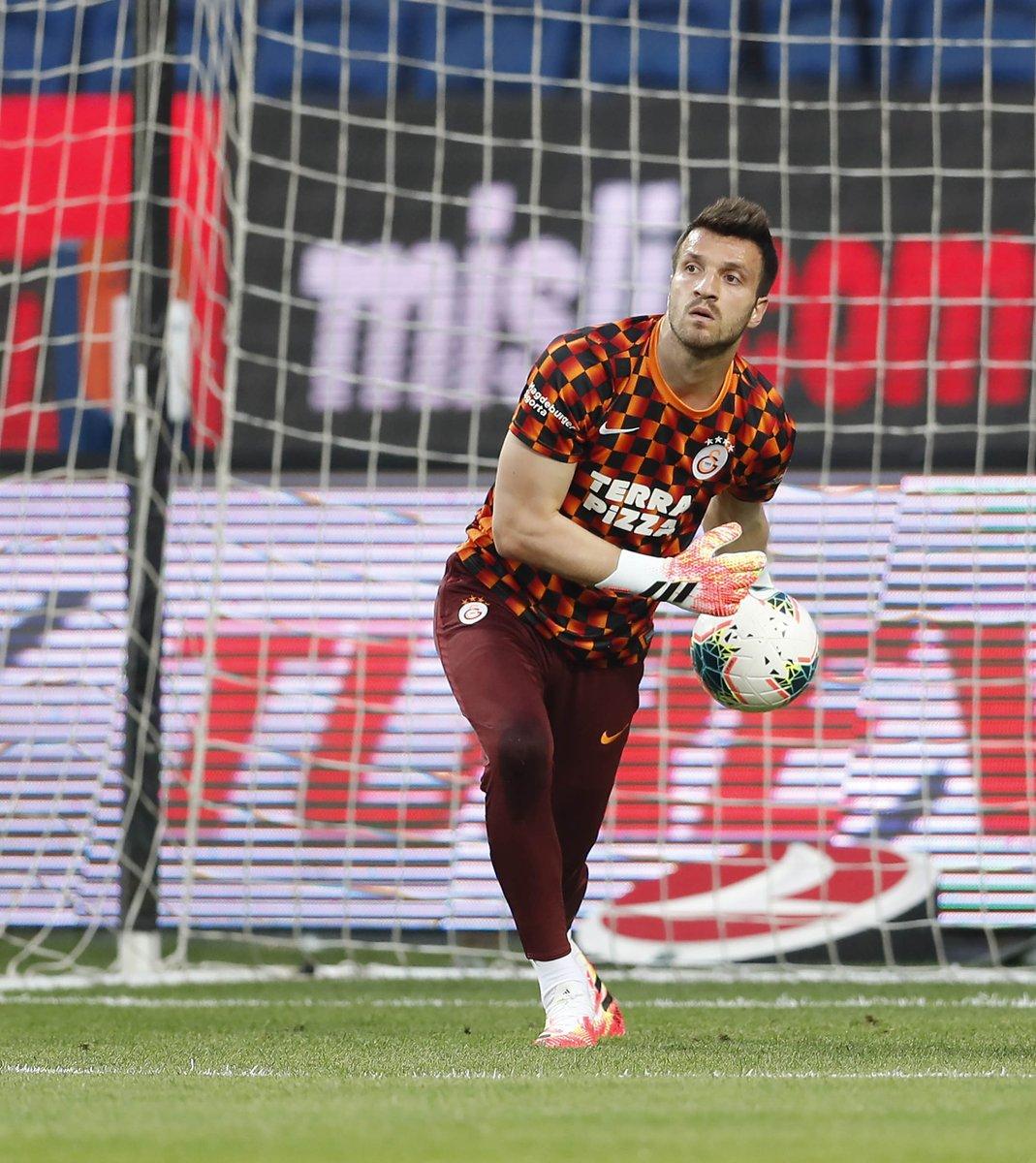 📸 Photos from pre-match. #BŞKvGS https://t.co/ovwgm1sZVM