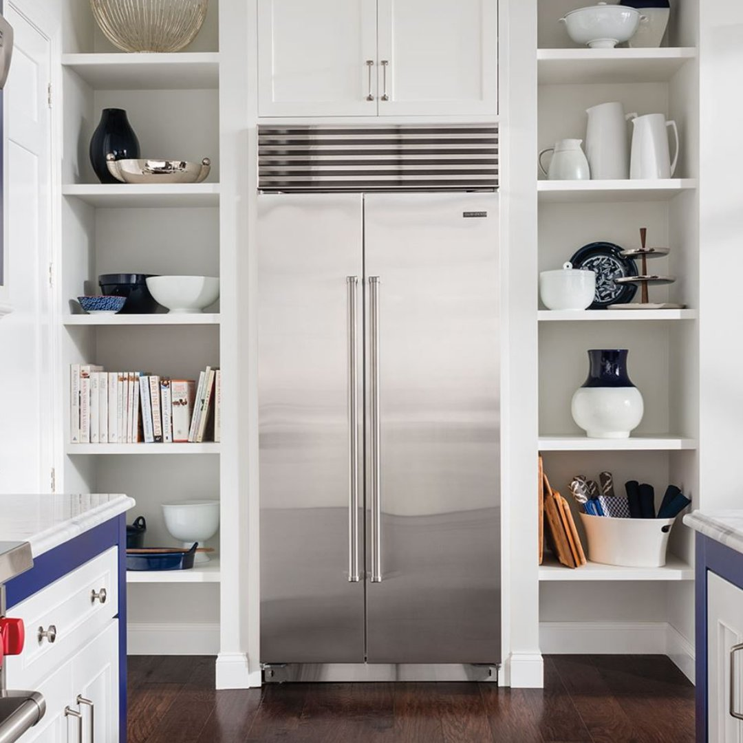 Side-by-side refrigerators seem to be making a comeback! What do you think of this trend? . #subzero #kitchen #culinary #culinaryarts #cheflife #homecooking #plessers #plessersappliances #kitchenappliances #interiordesign #kitchenstyle #kitchenlove pic.twitter.com/gwd7vDqyd5