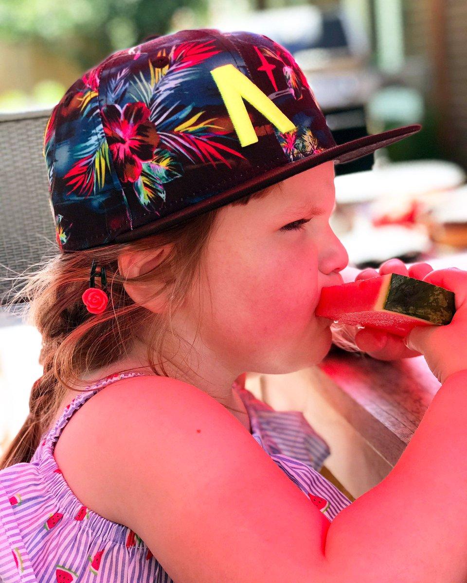 Summer Time!  . Kids Tropical North Star - New Era 9Fifty snapbacks coming soon!  . #NobleNorth #tropicalhat #floralhat #kidshats #kidshat #hatsforkids #kidssnapback #neweracap #neweracanada #9fifty #9fiftysnapback #snapback #snapbacks #snapbackhats #snapbacklife #lidspic.twitter.com/rtbpl6GmQO