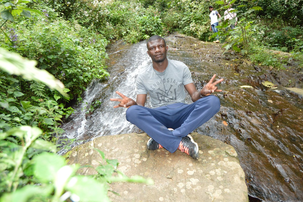 After reopening of #tourism activity, I visited #waterfalls #spring in #Nyungwe #junglezone #VisitRwandapic.twitter.com/Z08ohnWY1X