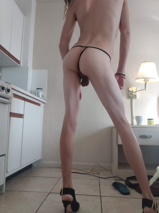 1 pic. Do you like my booty or dick better? https://t.co/S75rXgt1Ek