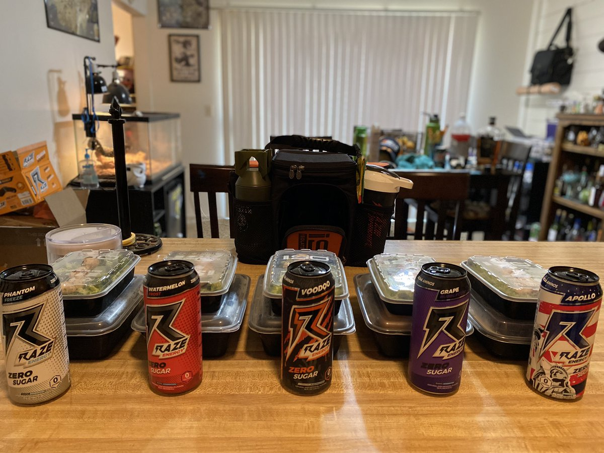 My meal prep for the workweek #fitness #fitnessjourney pic.twitter.com/CfMpQaAplG