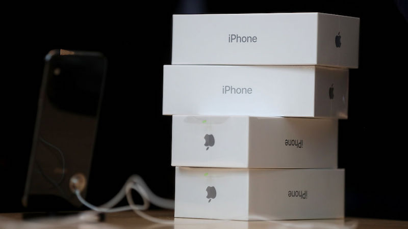 Analyst claims that Apple's iPhone 12 will have charger sold separately.