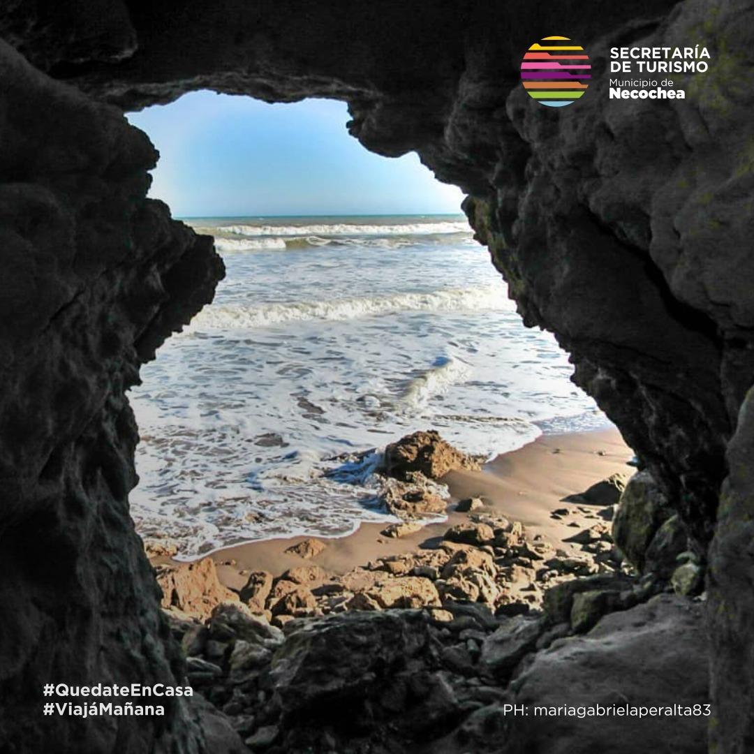 #NecocheaDesdeTuCasa 🏠  Rincones donde la felicidad te encuentra.  #NecocheaTeEspera #ViajaMañana #Naturaleza 🌊 #Turismo #Soña #Sentí #Paz #Paisaje #LaMejorPlayaArgentina 🌅 https://t.co/jMYViPSbir