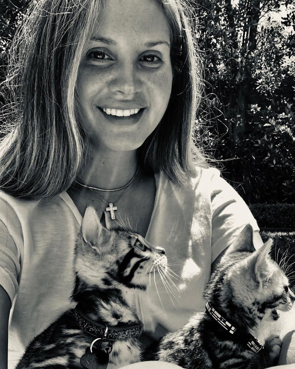 Lana Del Rey with her kittens <br>http://pic.twitter.com/bQuYRZUmjf