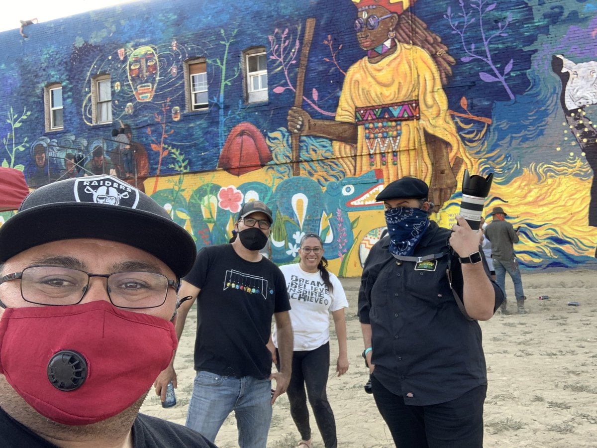 Another Sunday, another #MuralTour in Fresno. #ArtIsOurWeapon