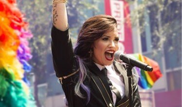 An unforgettable experience being the Grand Marshal of the West Hollywood parade at Pride 6 years ago. Happy pride to my LQBTQIA+ family y'all. I love you 😘 🌈🏳️🌈❤️🧡💛💚💙💜💗  - Demi https://t.co/ZD99i8kTI3