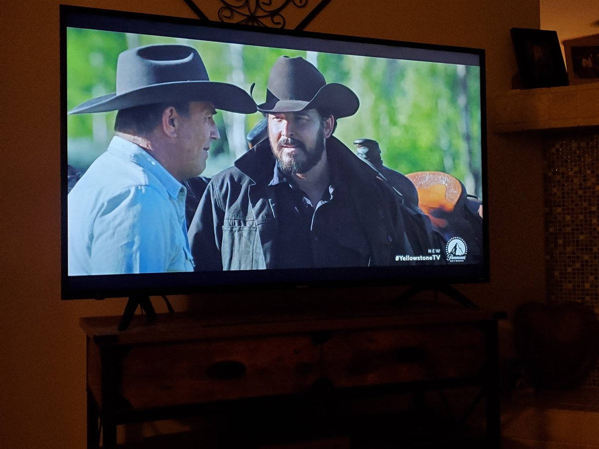 All is right in my world..Yellowstone @Yellowstone @YellowstoneFans #YellowstoneTV