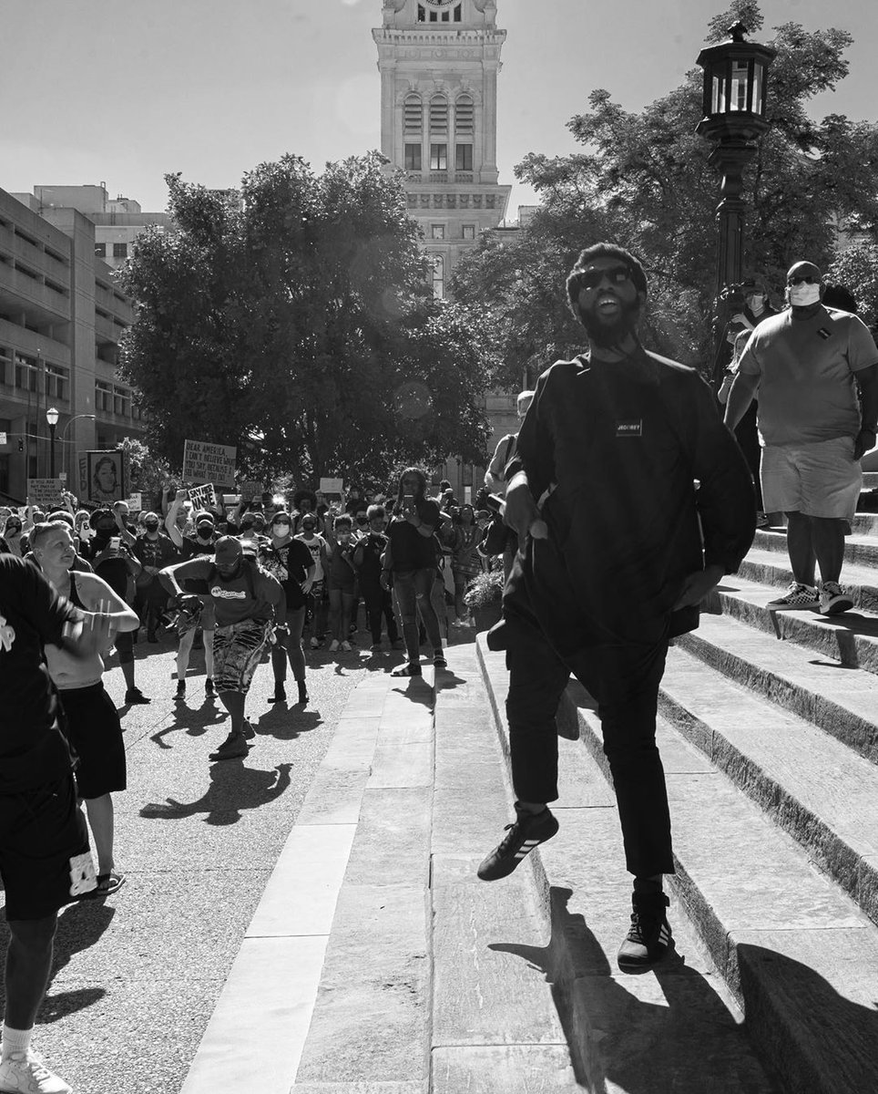 Tyler Gerth took these photos the evening we passed Breonna's Law. He was murdered last night at Jefferson Square Park while peacefully protesting racism. Please check out his photos documenting local protests and beyond. We were the same age. https://t.co/nI7wj0EC6v