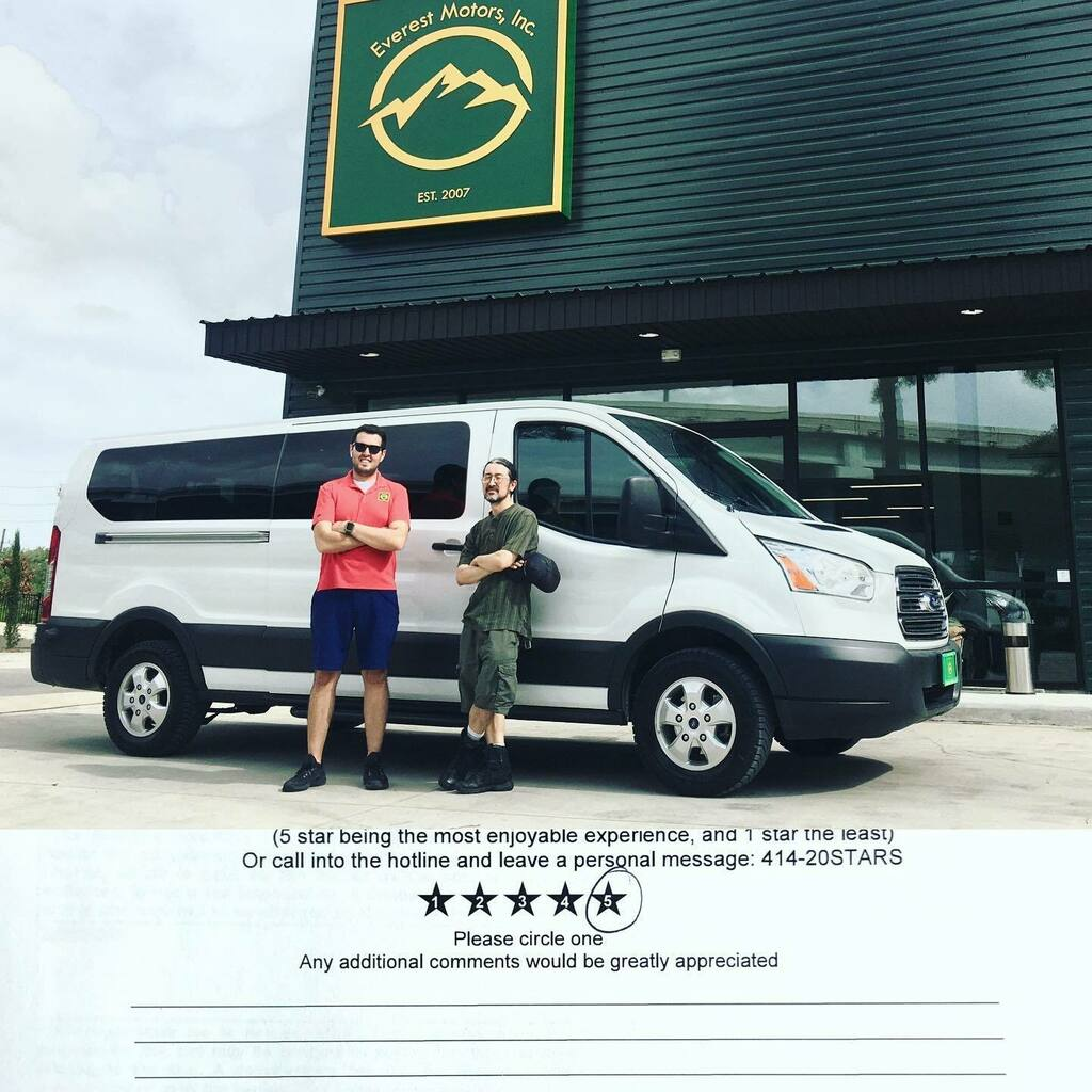 Saturday wouldn't be without delivering this 2017 Ford T350 Passenger Van Low Top 3.7L Gasser to Leann and fam. Thank you guys and welcome to Everest Motors family. https://ift.tt/2I7w8iQ  #everestmotors #houstontx #galvestontx #whitepassengervan #passe… https://instagr.am/p/CCAIR71B3pX/ pic.twitter.com/kXahRzBgk3