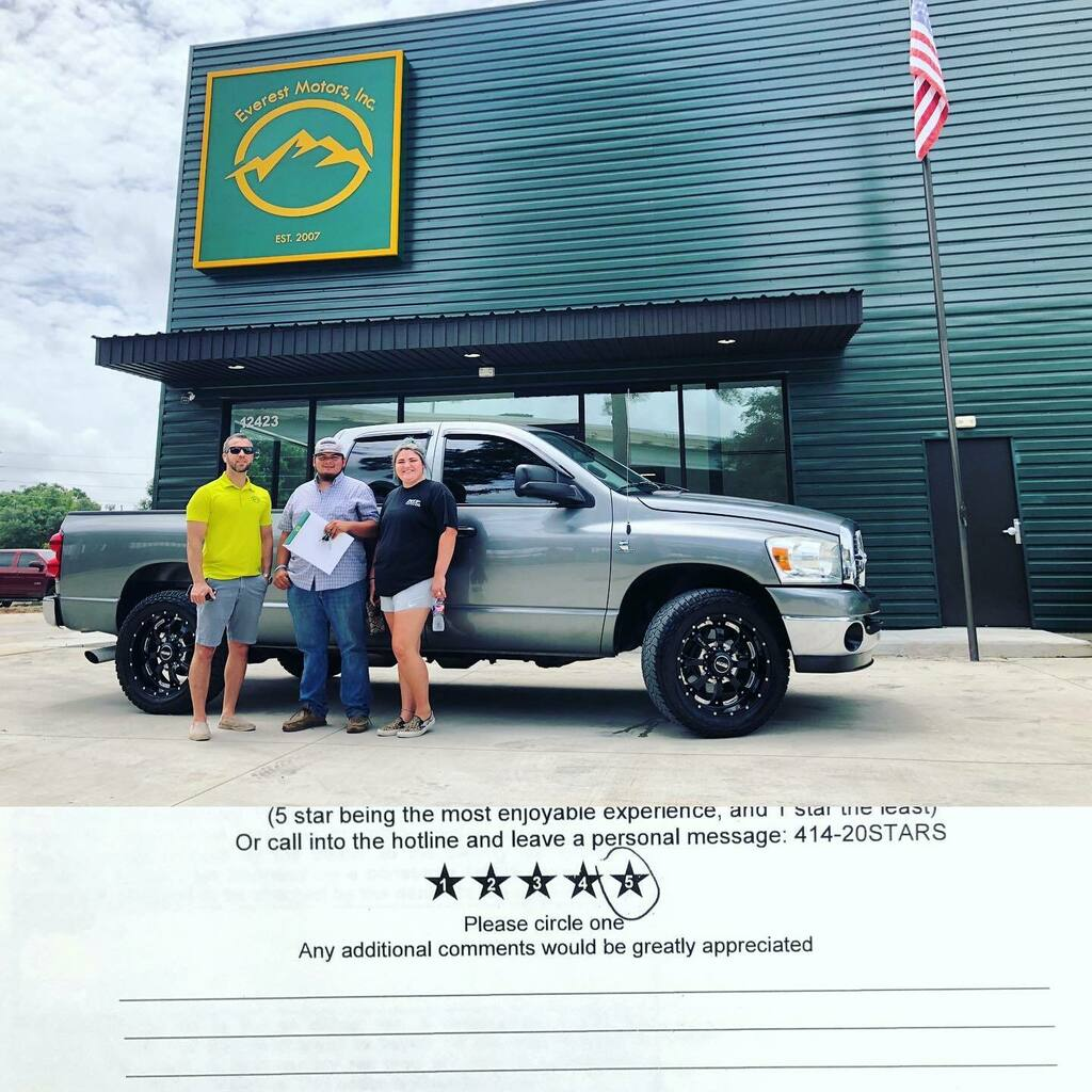 Devin and his beautiful wife taking delivery of their 2008 Dodge Ram 2500 Crew Cab 2WD SLT Short Bed 6.7L Cummins Diesel. Pleasure to meet you guys in person and welcome to Everest Motors family. https://ift.tt/2I7w8iQ  #houstontx #everestmotors #burnet… https://instagr.am/p/CCAJoL1hEp8/ pic.twitter.com/tCIS4mE0I5