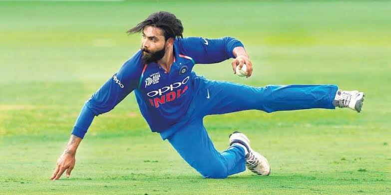 Most Runs Saved In WC 2019:  Jadeja - 41(2 Games)  Guptil  - 34(9 Games)  Maxwell-32(9 Games)  Stonis   - 27(7 Games) <br>http://pic.twitter.com/GCOBIx44lz