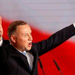 Image for the Tweet beginning: Polish president maintains lead in