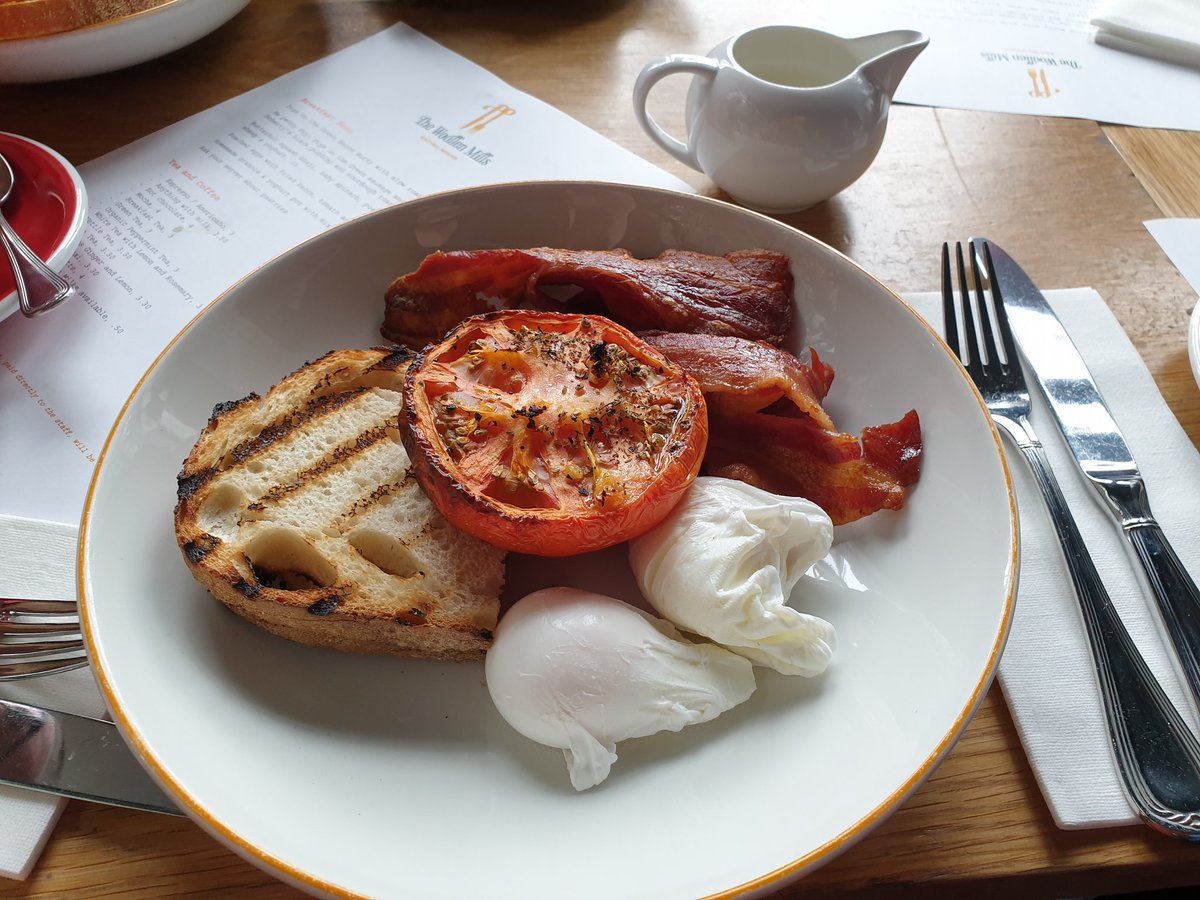 A sit down breakfast today courtesy of @woolleymills