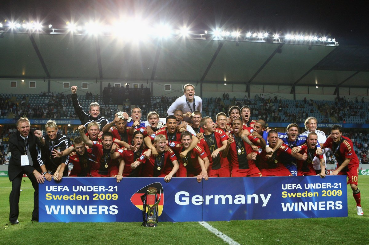 #OnThisDay in 2⃣0⃣0⃣9⃣  Die @DFB_Junioren triumphieren im Finale der #U21EURO gegen England 🏆🇩🇪🎉 https://t.co/RFgzeGdbHd
