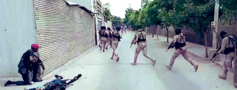 اختر مینگل اور حامد میر کو خبر ہو کہ ان کے چار #MissingPersons مِل گئے ہیں اور کراچی سٹاک ایکسینج کے باہر پڑے ہیں ۔۔۔ #KarachiTerroristAttack https://t.co/X1ob0QwTfd
