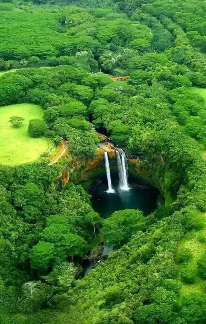 Amazing Waterfall View  <br>http://pic.twitter.com/Fj1u0omg3E