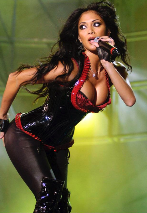A very happy birthday to the always excellent Nicole Scherzinger, who turns 4  2  today!