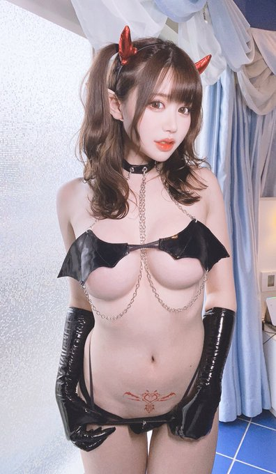 コスプレイヤー白田まいのTwitter自撮りエロ画像18