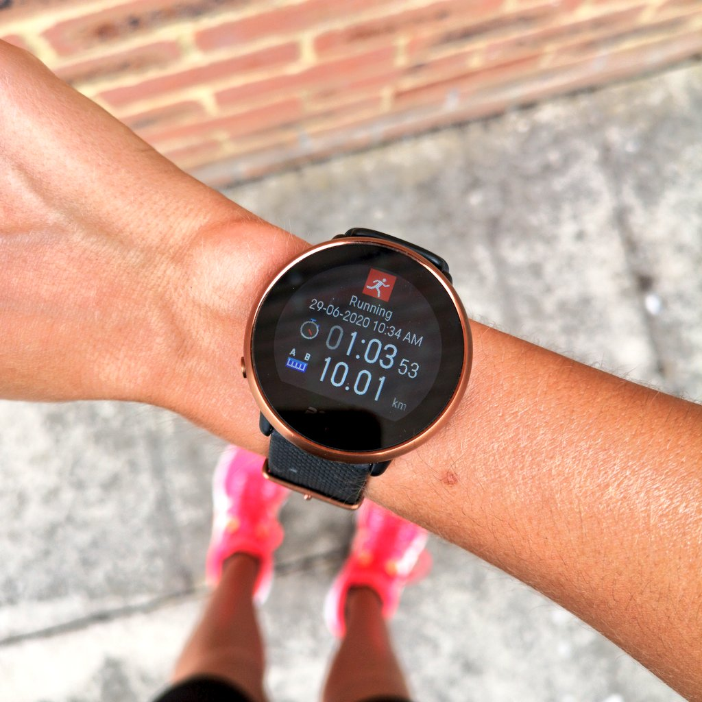 I DID IT 🎉 My first 10k without stopping! Starting the week on such a high 😀 Believe you can do something and you will! My mind definitely pushed me through the last 3k 🏃♀️ #ukrunchat @UKRunChat https://t.co/1juExwSDZp