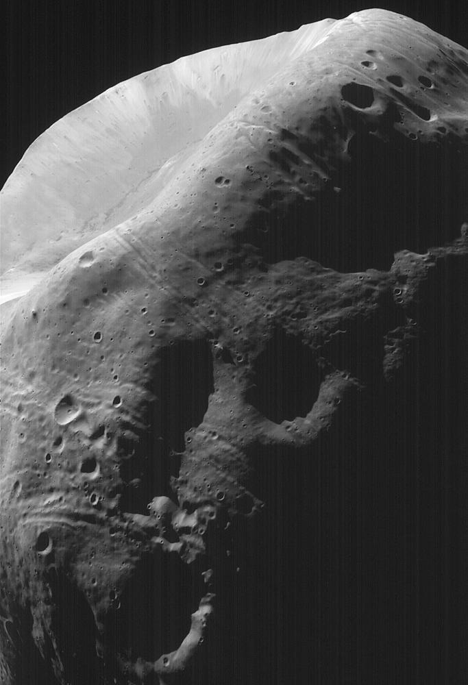 High-Resolution MOC Image of Phobos https://t.co/kVfkaDm0VS https://t.co/yY5YFikmmz