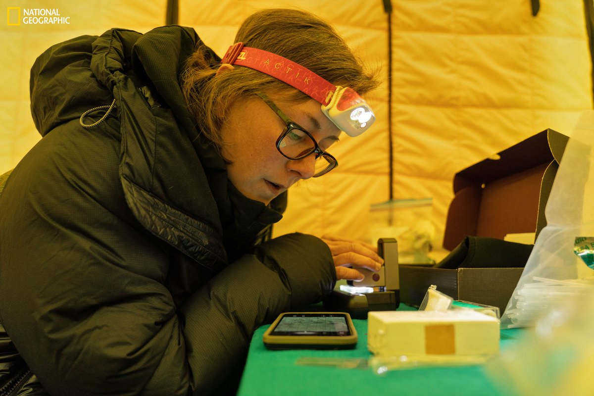WCS's Tracie Seimon who is based @BronxZoo is featured tomorrow @ 10pm ET/9pm CT in the US on the @NatGeoChannel.   It's a behind-the-scenes look @ @InsideNatGeo and @Rolex #PerpetualPlanet Everest Expedition to study the impacts of #climatechange on the 🌎's tallest mountain. https://t.co/tnya3yoe26