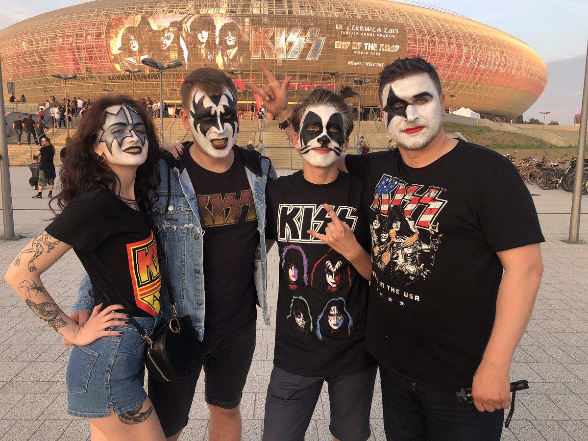 #KISSFamilies Rock! We love these photos. Keep them coming, #KISSARMY.