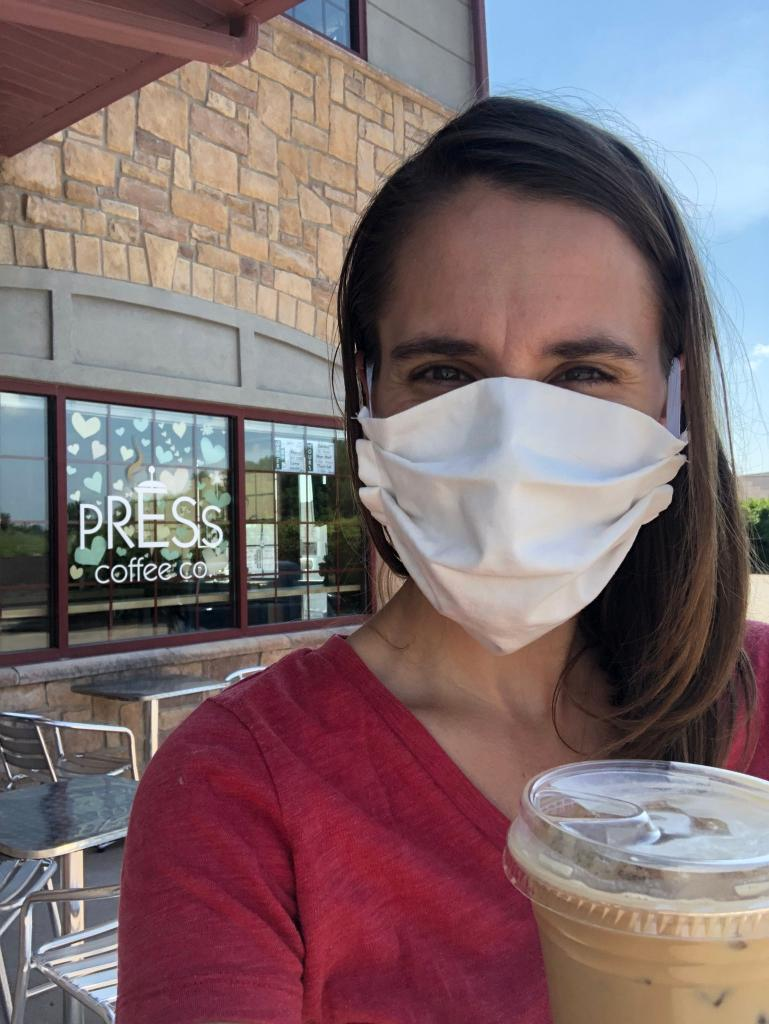 Everyone should wear a #mask when they leave the house, even if it's a quick trip to Press Coffee Co.! @uihealthcare's Alex Isaacson, MD masked up in the coffee shop, then enjoyed her drink once she was safely social distanced. #MaskUpIA https://t.co/YOTtIn1Qdo