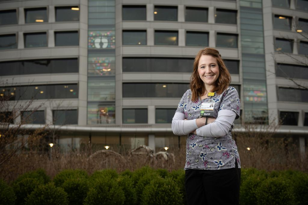 An @IowaNursing doctoral student is studying pain assessment in children who are sick. Elyse Laurels hopes her findings will decrease their lengths of stay in pediatric intensive care units and expedite their healing. https://t.co/mMyRW2qYHS #UIowaResearch https://t.co/wPg5jivhbA